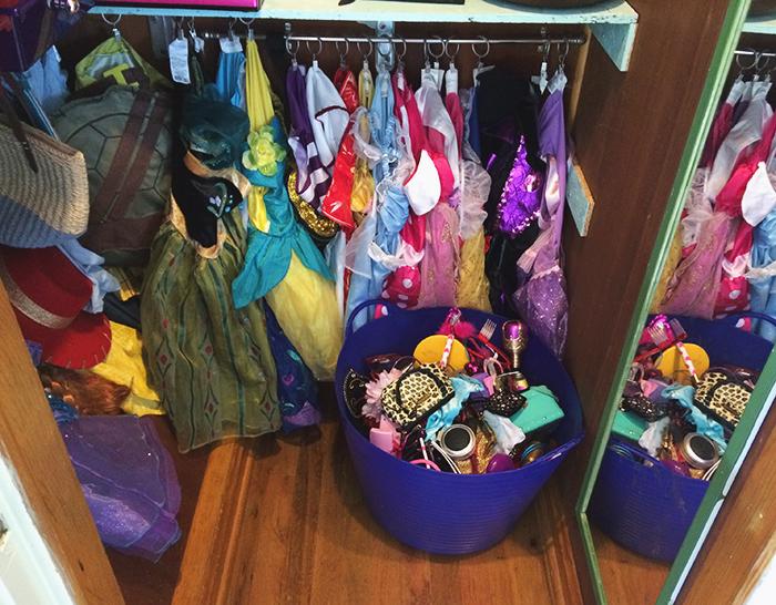 Dress up closet