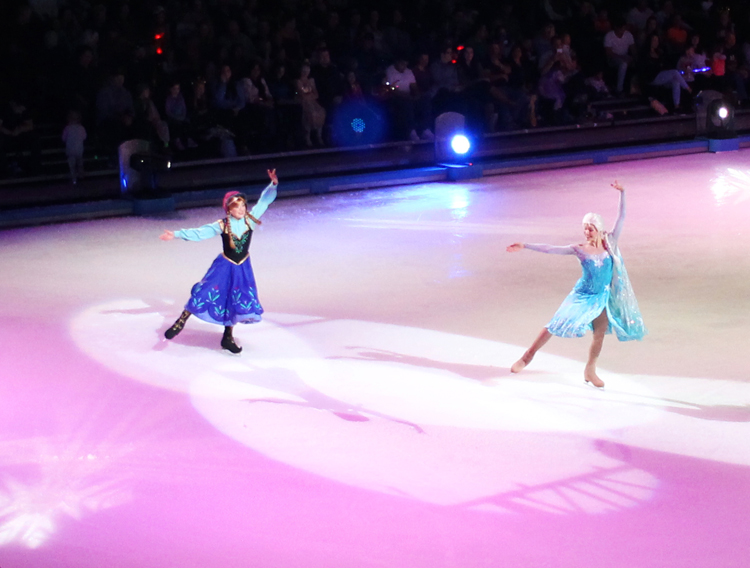 Anna and Elsa at Disney on Ice