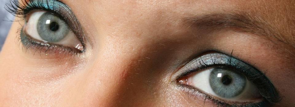 Optometrist, woman blue eyes in St. Louis, MO