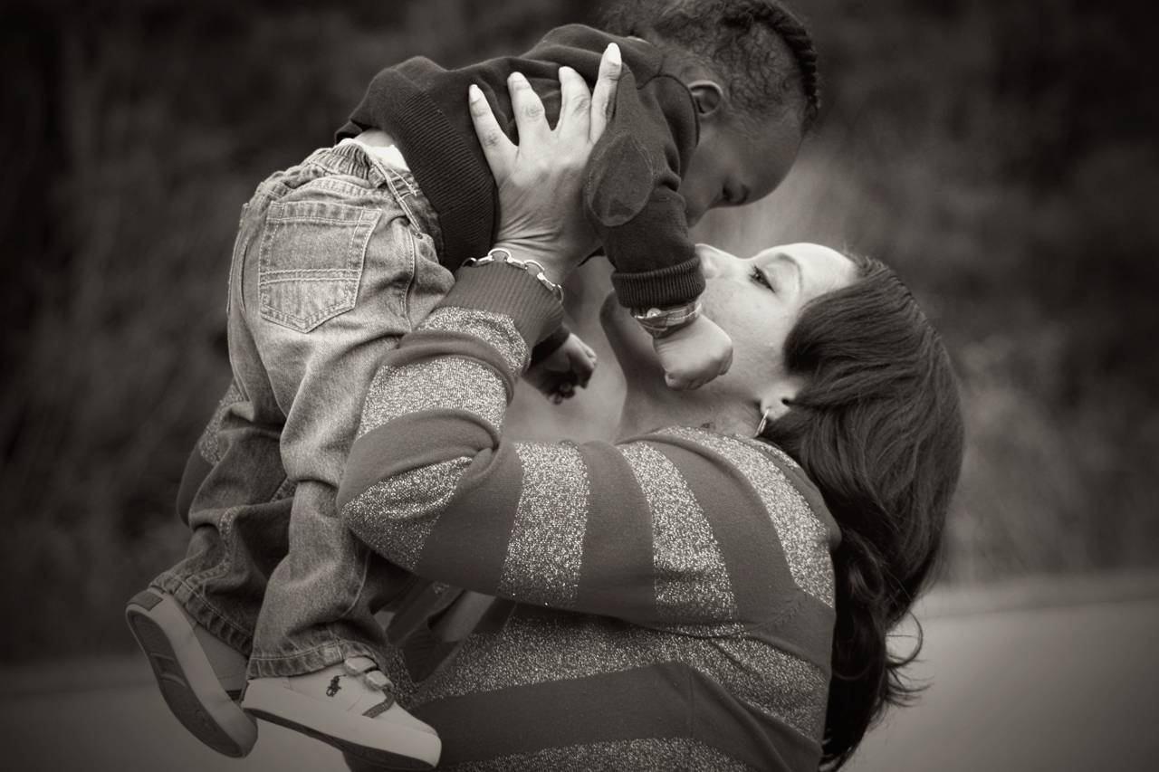 mother-child-bw-1280x853