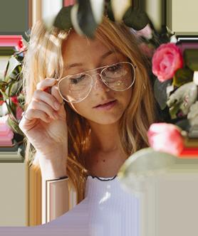 Woman in speech bubble, wearing eyeglasses