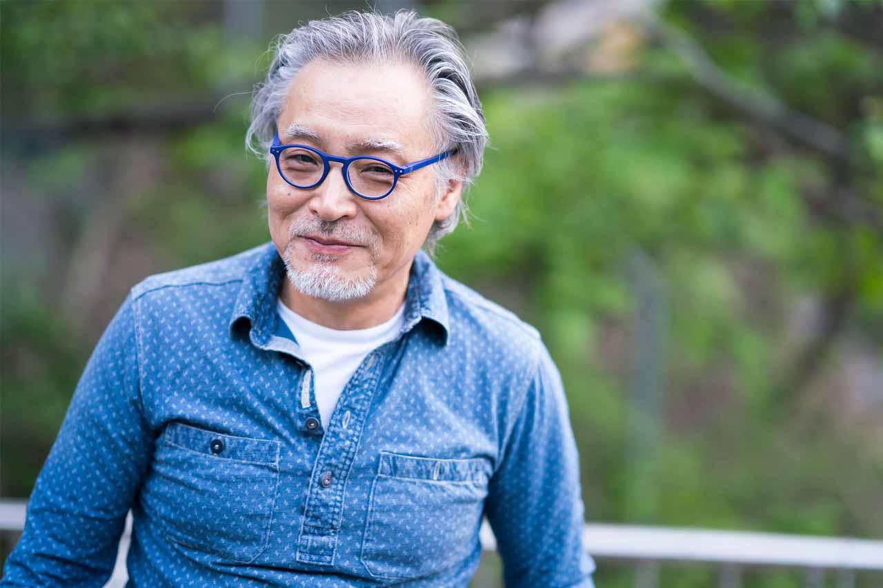 man with macular degeneration