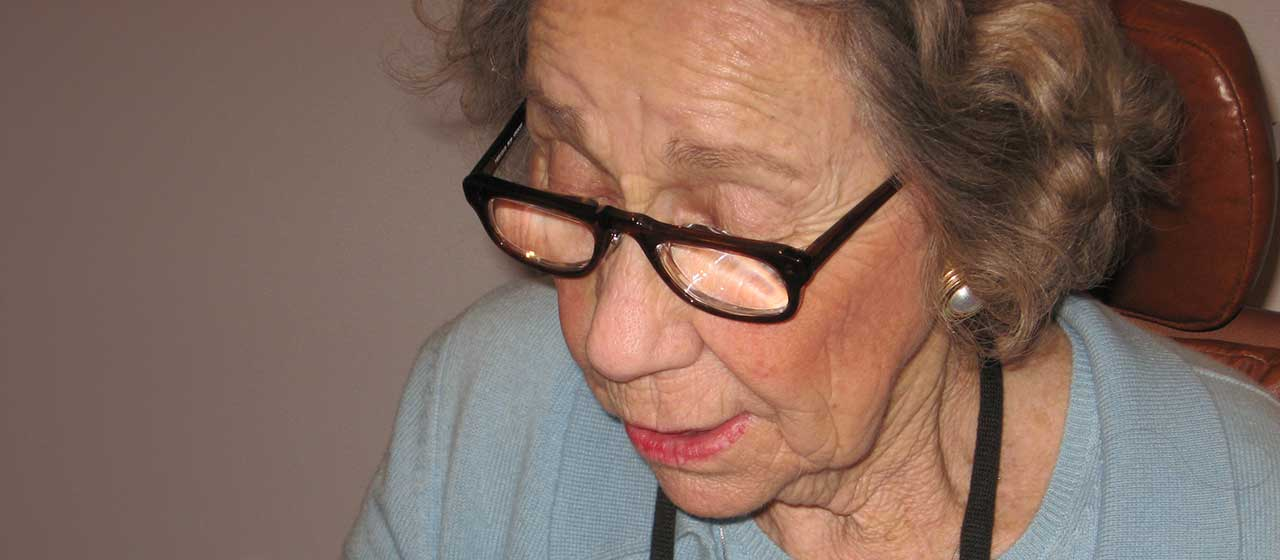 Lady w Platic Half Eye Prismatics