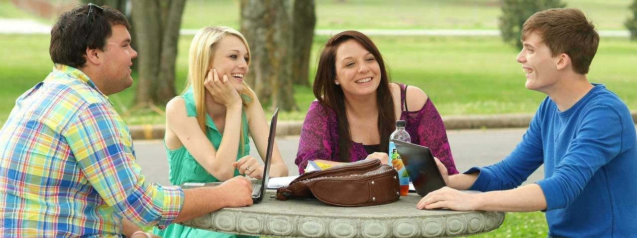 college students studying 1280x480.jpg