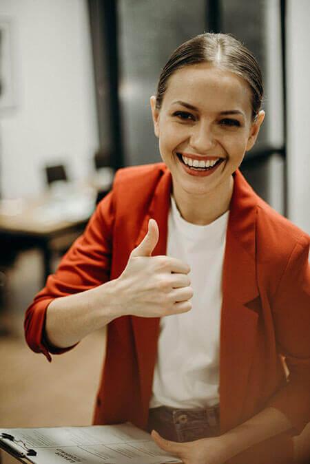 woman thumbs up