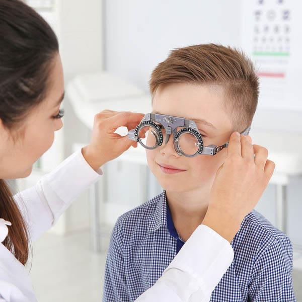 Childrens eye Doctor 600