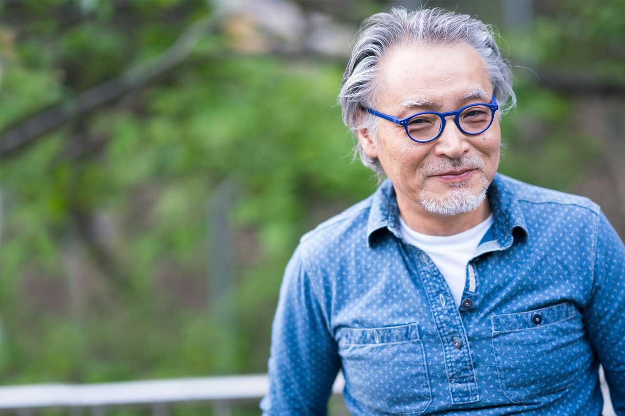 senior man with glasses