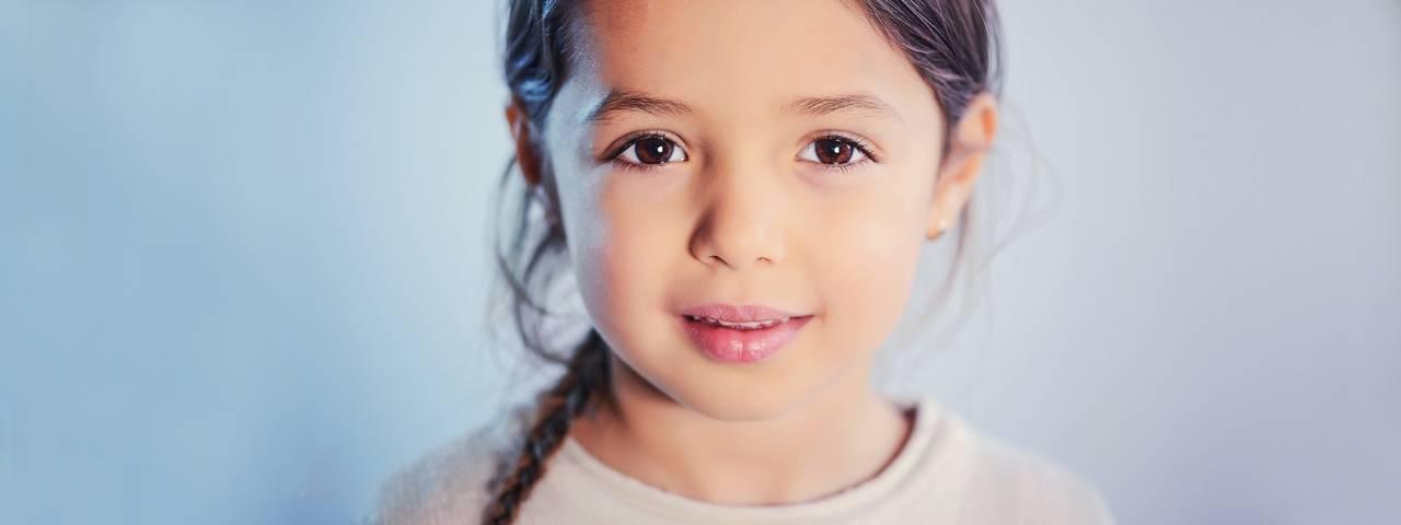 Female Child Brown Eyes 1280x480 1 1