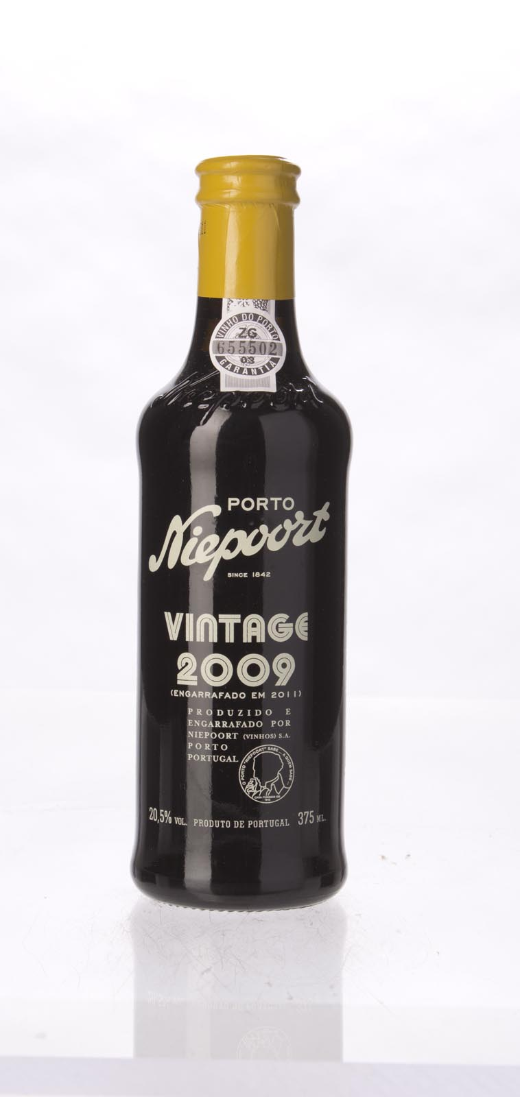 Niepoort Vintage Port 2009, 375ml (WS94, WE95) from The BPW - Merchants of rare and fine wines.