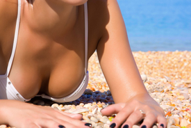 Large Breast Implants: Pros and Cons for Patients to Consider