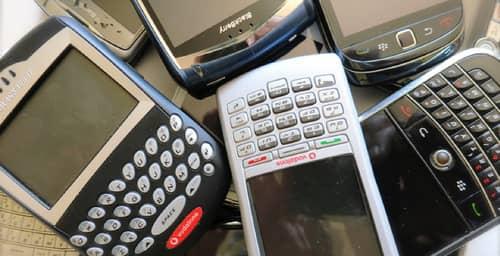 Nueva apuesta de BlackBerry: dos teléfonos económicos con Android