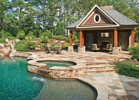 Perfect_patio_pool_and_tv