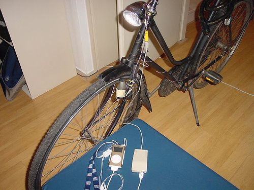Make a bike charger for your ipod!