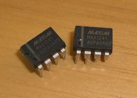 PIC18F2550 MAX1241 1-Channel ADC