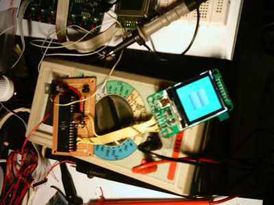 Controlling a color graphic LCD with an ATMEL AVR ATMega32L