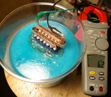 DIY HHO Hydrogen Production a Water Fuel Cell