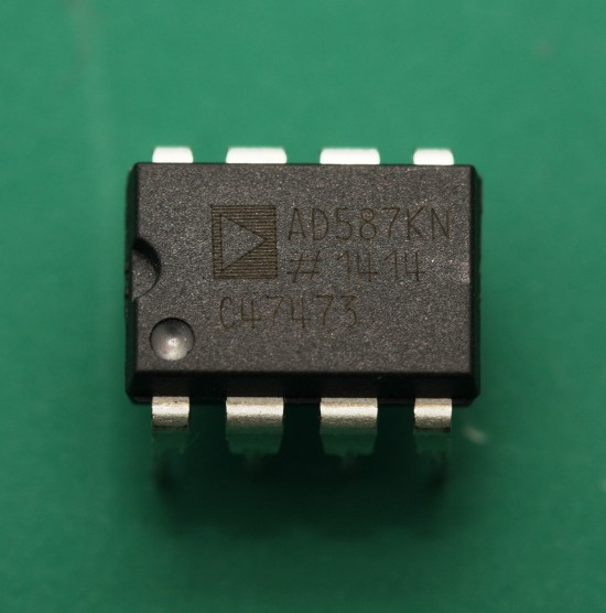 Analog Devices AD587KN 10V reference