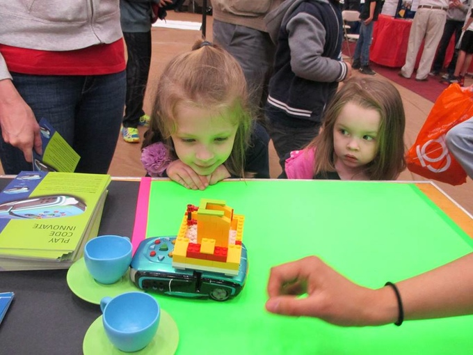 PHIRO: A Smart Robot For Kids on Kickstarter