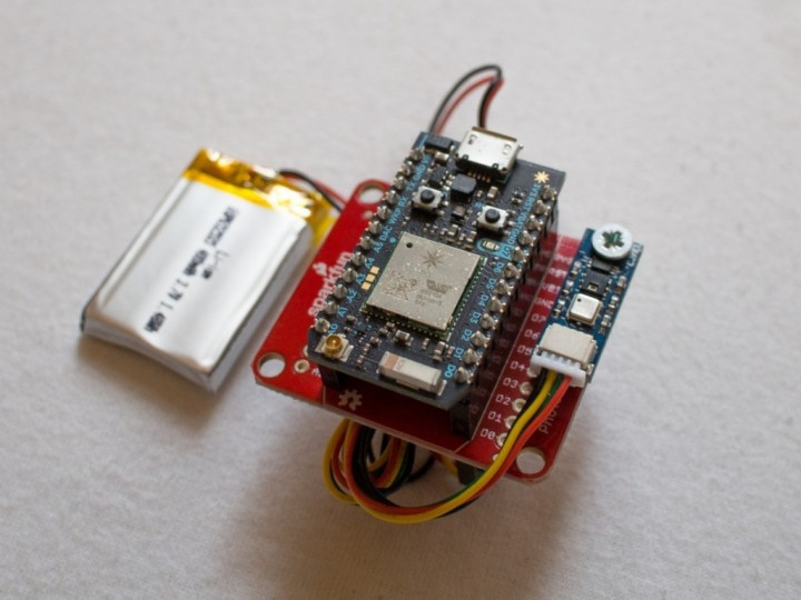 Solar powered Particle Photon environment monitor