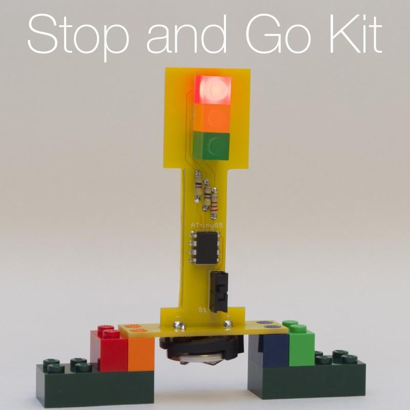 Christmas DIY project for children 2/3: Traffic Light Soldering Kit