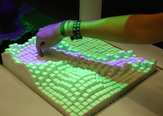 Shape-shifting interface can mimic rubber, water and sand