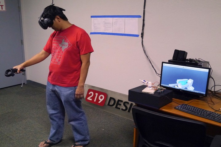 Virtual Reality App from 219 Design Simplifies the Programming of Robots