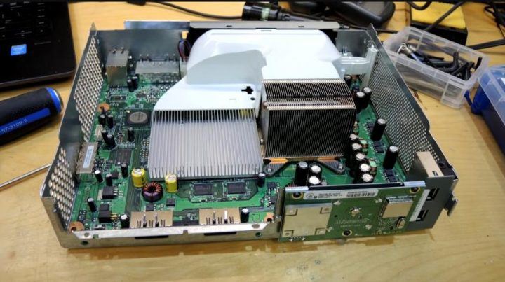 XBOX 360 GPU die decap: A look at the graphics processor silicon