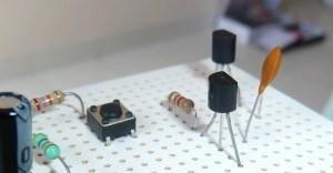 How does the PNP transistor work?