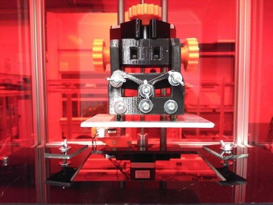RooBee One is an open-source SLA/DLP 3D printer