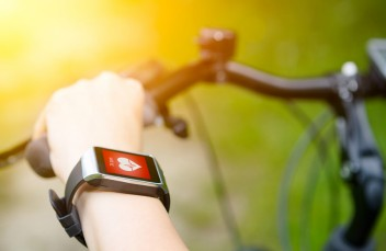 App note: Choose the right voltage regulator to extend battery life in wearables