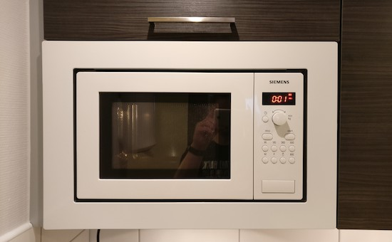 Replace a microwave's beeping with the Windows XP startup sound