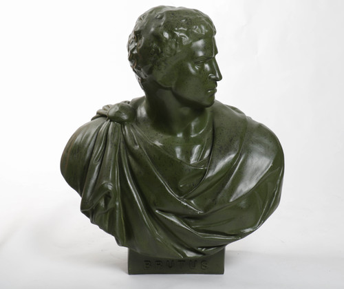 Brutus Robed Bust 33