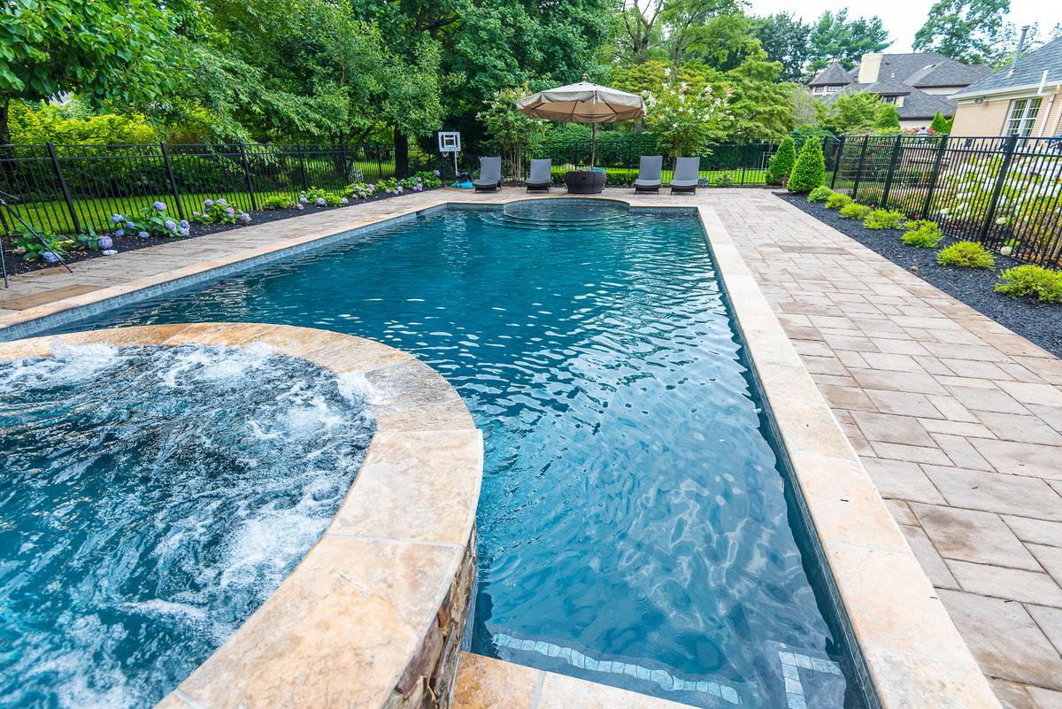 Gunite swimming pool builders elite landscapes for Swimming pool builders