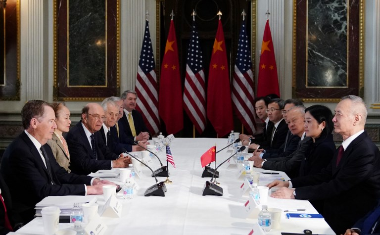 EEUU y China retoman las negociaciones comerciales en Washington