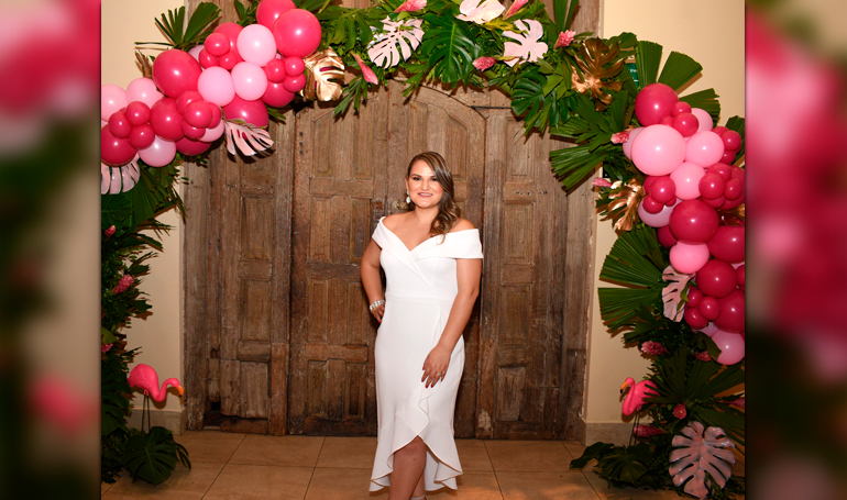 Un bridal shower tropical para Dunia Castellanos