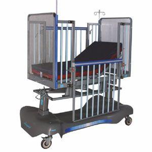 Cama pediatrica con sistema eléctrico Mod. AMP-NIP050 de 2 posiciones Cat AMP-NIP050A-E Ampesa