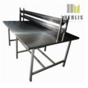 Mesa de 150 cm. para ensamble con repisa intermedia Cat. HEL-HM148-1 Herlis
