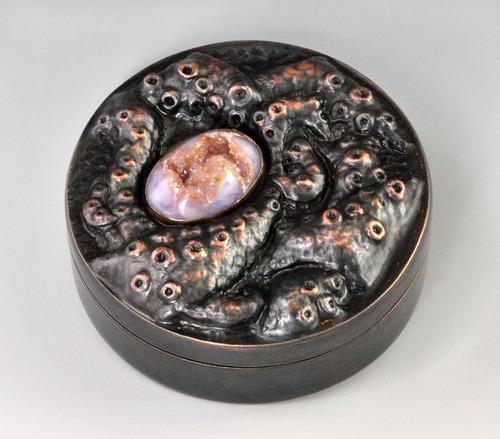 Full coral box
