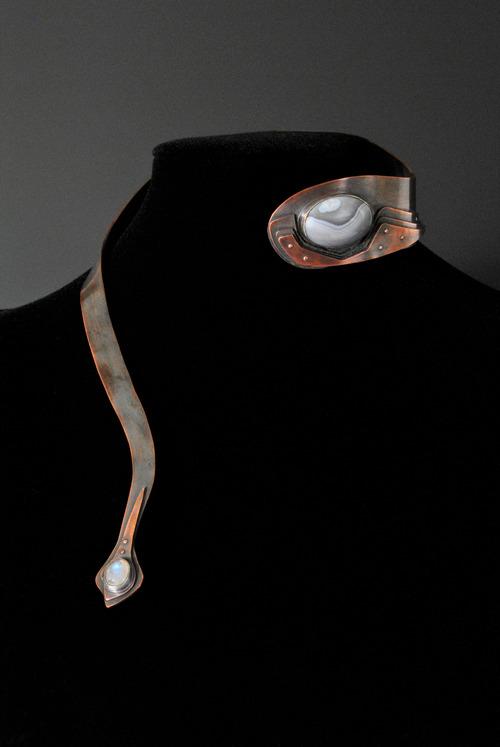 Full landscape neck piece