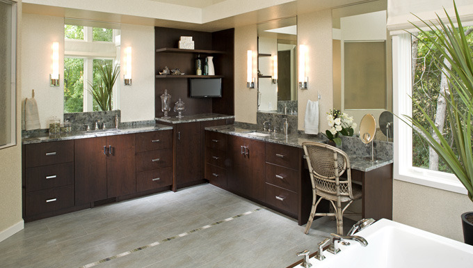 Bathroom Design: Calming Master Bath on the Lake