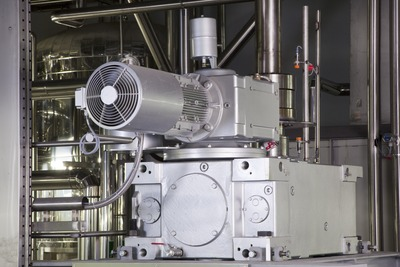 Figure 3: A single drive unit actuates the lautering process, both loosening the spent grain and clearing out the tun.