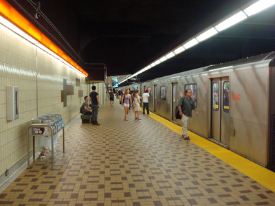 A Toronto subway platform