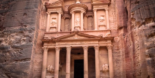 The-Treasury-of-Petra-wide-Jordan-tour-272