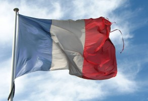 Old_Frayed_French_Flag_(6032746234)