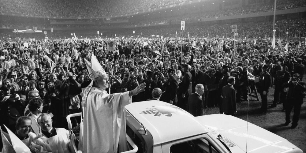 Pope_John_Paul_II_(1979)