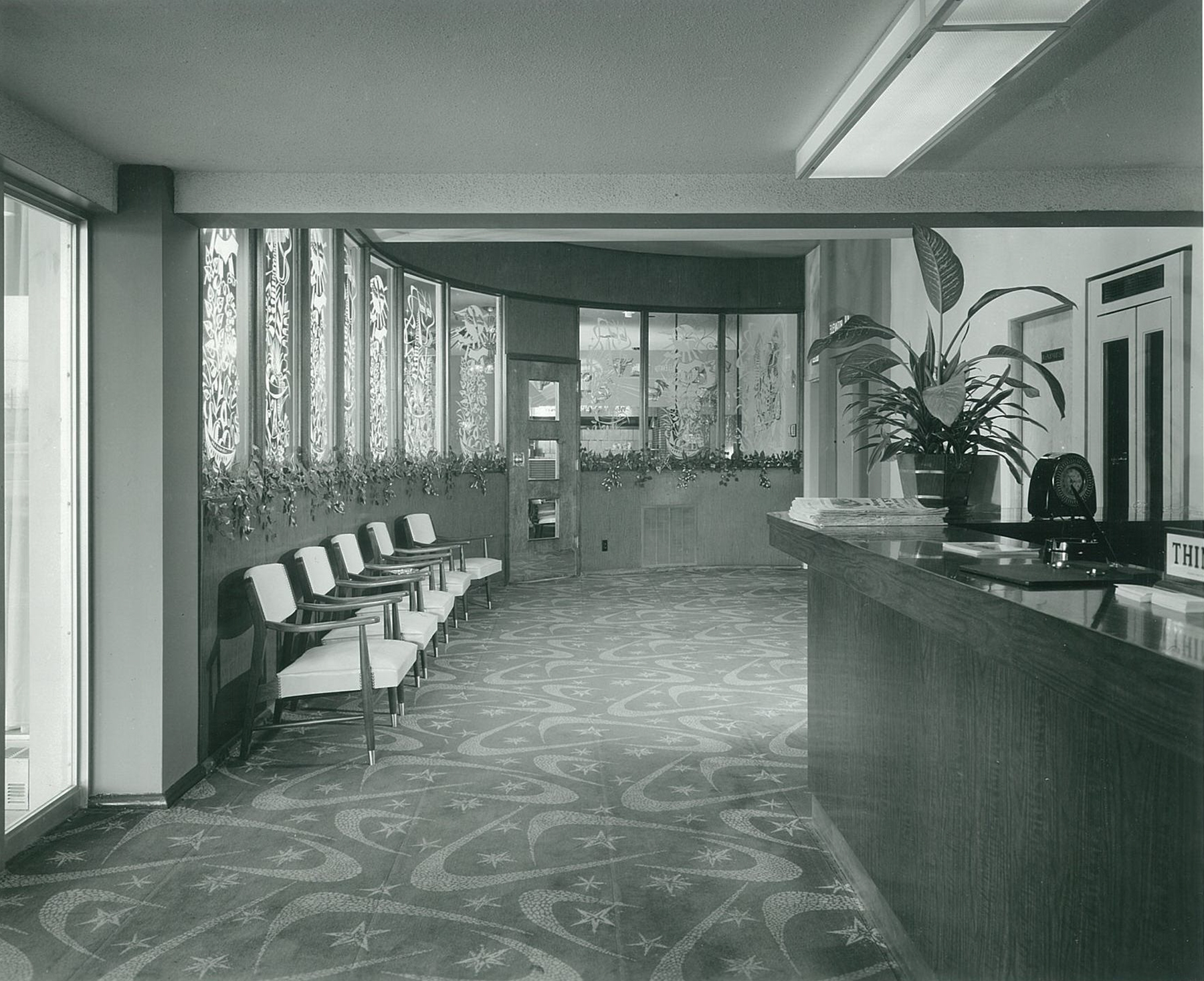 Airliner-Motel-Chicago-Illinois-Lobby-01