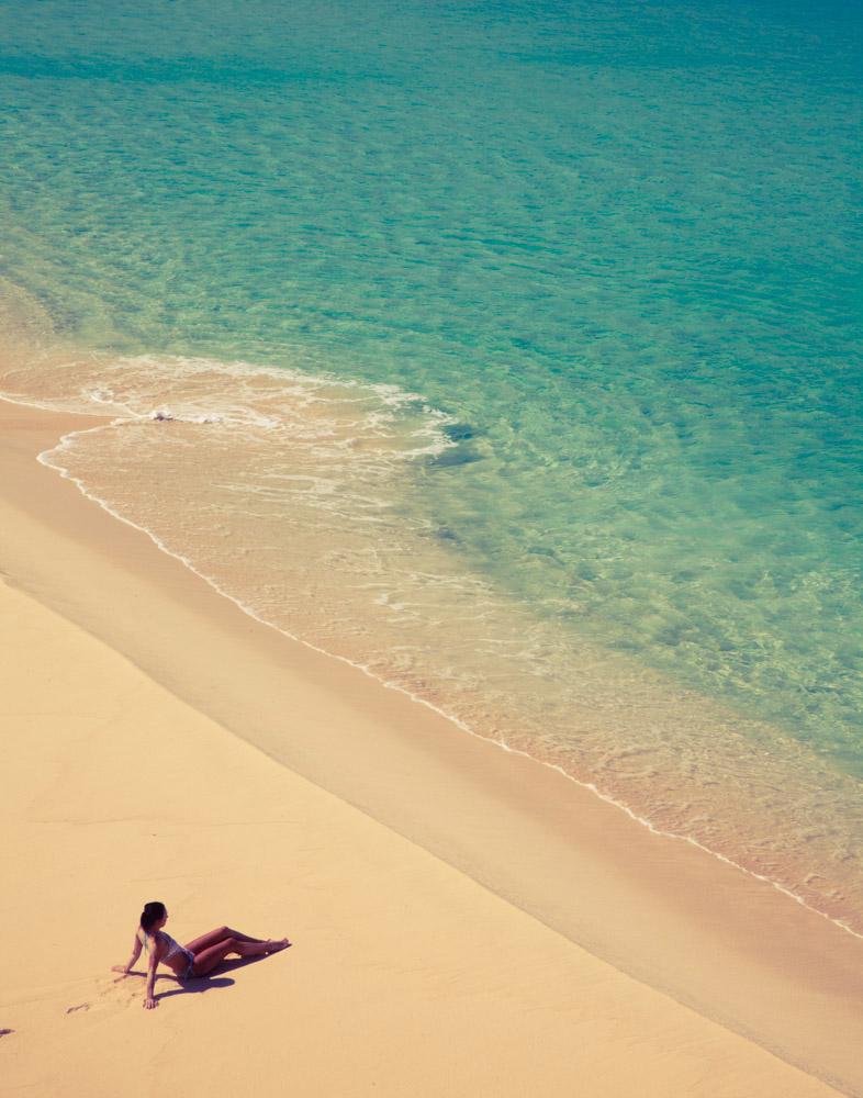 Caribbean_anguilla_girlonbeach_151