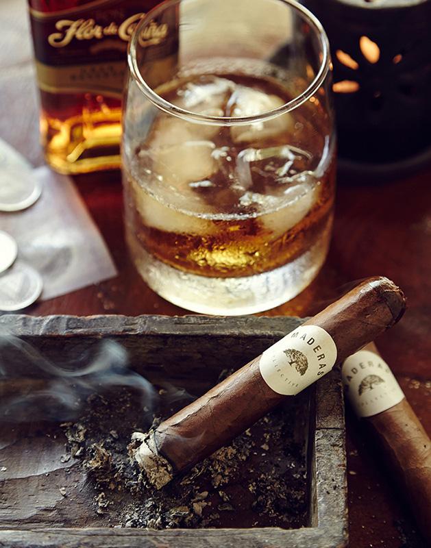 Cigarstill_107