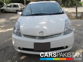 2012, White Toyota Prius (Petrol ) For Sale, Lahore, By: Shahrukh/Hassan  (Private Seller)