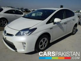 2012, Pearl White Toyota Prius (Petrol ) For Sale, Gujranwala, By: ALI RAZA  (Private Seller)